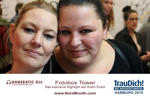 gallery-fotobox-hanseatic-djs-098367260CC-60C1-32BF-12F8-4511ABA67944.jpg
